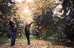 Engagement autumn photo ideas .. Throwing leaves with www.redtreephotography.ca