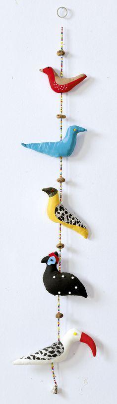 Guirlande Oiseaux en couleur - Bird Garland Color birds Hors-série Printemps 2015 http://www.quiltmania.com/organisation/la-boutique.html?type_produit=HS