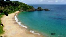 Baía do Sancho, Pernambuco A 550 quilômetros da costa do Recife, o Arquipélago de Fernando de...