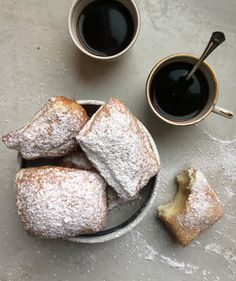 A Beignet Recipe Absolutely Anyone Can Make - - You don't need a flight to New Orleans to feast on these decadent fritters. Just Desserts, Delicious Desserts, Dessert Recipes, Vegan Desserts, Benyas Recipe, Recipe Link, Beignet Recipe, Beignets Recipe Easy, New Orleans Beignets Recipe