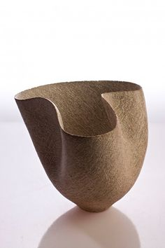 Hana Rakena 'Wavy Bowl' (ceramic)