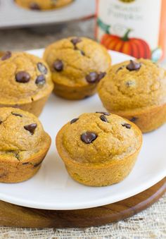 Healthy Flourless Pumpkin Muffins are moist, delicious, and super easy to make! They're gluten-free, oil-free, dairy-free, and refined sugar-free! #cleaneating