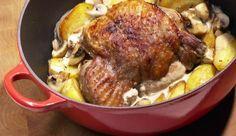 Knuspriger Dreiteiler - Putenbraten, Kartoffeln und Champignons mit köstlicher Sahnesoße durchtränkt. Das Rezept ist von MAGGI.