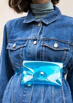 "#newarrivals #nyfw #blue #pvc #wallet #belt #accessories #thefrankieshop #frankienyc #frankiegirl Transparent Pouch w/Removable Matching Belt Strap Silver Snap Button Closure 100% PVC & Silver Metal Hardware 7""L x 4.5""H x 0.5D Imported"