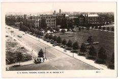 RPPC-Postcard-US-NAVAL-TRAINING-SCHOOL-W-R-BRONX-N-Y-1943-Women-Marching