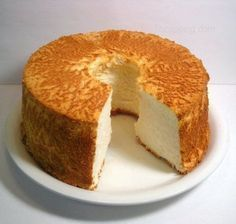 A great angel cake, light and free of g . Healthy Desserts, Delicious Desserts, Yummy Food, Sweet Recipes, Cake Recipes, Dessert Recipes, Tortas Light, Doce Light, Angel Cake