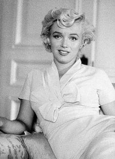 Marylin Monroe, Marilyn Monroe Photos, Meg Ryan, Nostalgia, Classic Hollywood, Old Hollywood, Julia Roberts, Hotel A New York, Milton Greene