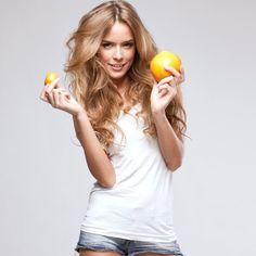 #Витамины и #минералы для женщин:  Витамин А - отвечает за молодость кожи.  #Биотин (витамин Н) - отвечает за гладкость кожи, прочность ногтей и пышность волос.  #Медицинские #дрожжи - источник витаминов, минералов и аминокислот. #Витамин Д – помогает кальцию усваиваться в организме.  #Кальций – отвечает за прочность ногтей и волос, защищает кожу от «чешуйчатого» вида.  Витамины С, Е, Р – защищают кожу от воздействия ветра, солнца, мороза.  #ЦентральнаяАптека