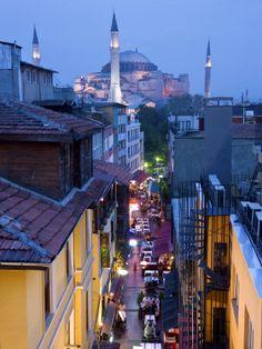 Hagia Sophia, Sultanahmet District, Istanbul, Turkey Lámina fotográfica por Peter Adams en AllPosters.es