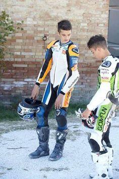 Motorcycle Suit, Motorcycle Leather, Mx Boots, Bike Leathers, Biker Boys, Mein Style, Cute Teenage Boys, Lederhosen, Biker Style