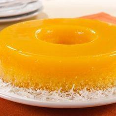 Brazilian Desserts: Easy Recipe for Quindim (Coconut Flan) Portuguese Desserts, Portuguese Recipes, Portuguese Food, Köstliche Desserts, Delicious Desserts, Yummy Food, Sweet Recipes, Cake Recipes, Dessert Recipes