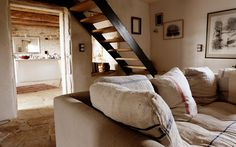 La Maison Papillons › THE GUEST HOUSE