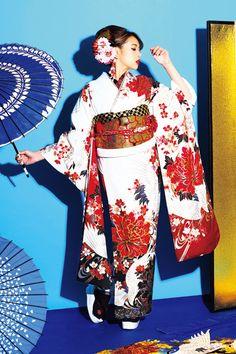 振袖専門店 京べに~ウェブカタログ「SweetAngel」 Japanese Characters, Traditional Dresses, Traditional Japanese, Anime Japan, Art Reference Poses, Japanese Kimono, Japan Fashion, Colorful Fashion, Character Art
