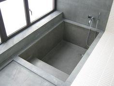 Walk-in concrete bath (Diy Bathroom Tub) Bathroom Tub Shower, Tub Shower Combo, Small Bathroom, Bath Tubs, Shower Tiles, Bathroom Colors, Concrete Bathtub, Sunken Bathtub, Bad Inspiration