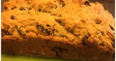 Hello friends, I hope you are all enjoying the week. I love celebrating St. Patrick's Day and I love Irish Soda Bread! I have this eas. Muffin Recipes, Bread Recipes, Irish Soda Bread Recipe, Recipe Link, Banana Bread, Breads, Muffins, Oven, Yummy Food
