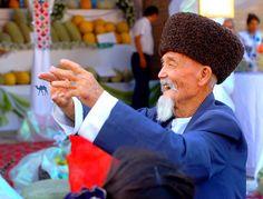 Nous vous proposons de revenir sur le coup de coeur de notre voyage en #Ouzbekistan à savoir la Ville de #Khiva. Un vrai havre de paix #authentique et #délicieux. C'est par là :  http://www.lechameaubleu.com/2015/10/khiva-la-douce.html  #ouzbek #uzbek #uzbekistan #centralasia #asie #asia #watermelon #festival #trip #travel #voyage #voyageursdumonde #wanderlust #wander #explore #discover #vacation #holiday #roadtrip #backpacker #tradition #postcard #beautiful #costume #letsgosomewhere #juma