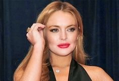 Lindsay Lohan não carregou o corpo de Whitney Houston  - http://extraordinariobizarro.blogspot.com.br/2014/09/Lindsay-Lohan-nao-carregou-o-corpo-de-Whitney-Houston.html