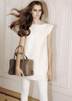 Le sac Limousine en cuir de taurillon gex, dont la sortie célèbre l'ouverture de la boutique éphémère Moynat