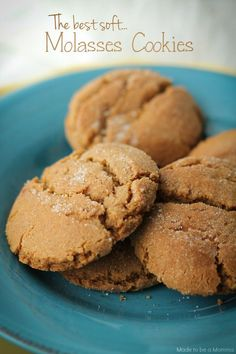 The Best Soft Molasses Cookies: they are filled with all the fall flavors of molasses, nutmeg and cinnamon!