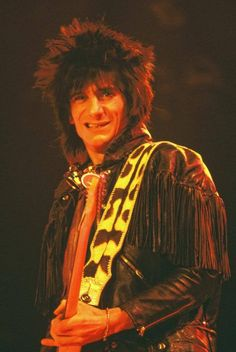 Ron Woods, Ronnie Wood, Stone World, Rolling Stones, Wardrobes, Inspiration, Musicians, Color, Guitar