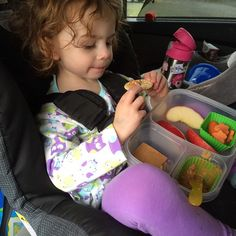 A happy lunch on the go in @easylunchboxes