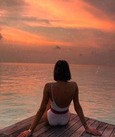 sunsets Endless summer Summer fashion Summer vibes Summer pictures Summer photos Summer outfits October 25 2019 at Summer Pictures, Beach Pictures, Beach Poses, Summer Aesthetic, Sky Aesthetic, Flower Aesthetic, Travel Aesthetic, Jolie Photo, Summer Vibes