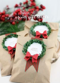 50 Christmas DIY Ideas - Think out of the box with those Christmas treats. Recreate a simple brown envelope by adding mini wreaths and messages on top for a more personal touch. Noel Christmas, Winter Christmas, All Things Christmas, Xmas, Christmas Ideas, Christmas Giveaways, Christmas Design, Rustic Christmas, Family Christmas