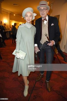 News Photo : Britt Kanja and Guenther Krabbenhoeft attend the. Old Man Outfit, Melbourne Cup Fashion, Stylish Older Women, Beautiful Old Woman, Baby Boomer, Stylish Couple, Mature Fashion, Mens Fashion Blog, Advanced Style