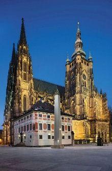 Víta foto: Libor Sváček, archiv Vydavatelství MCU s. Cathedral Basilica, Cathedral Church, Sacred Architecture, Religious Architecture, Places To Travel, Places To Go, Old Cabins, Visit Prague, Prague Czech Republic