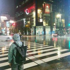 #ustedestaaqui #pasodecebra #lluvia #akihabara #taitostation #taller582 #crossing #rain #electrictown #japan