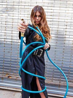 La primera campaña publicitaria de Kaia Gerber http://stylelovely.com/noticias-moda/la-primera-campana-publicitaria-de-kaia-gerber/