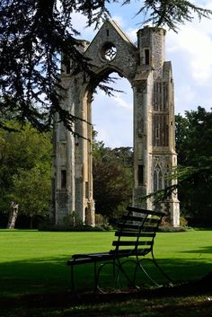 It's a beautiful world Walsingham Priory ruins in Norfolk / England (by Flip Millard).