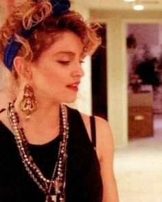 Madonna Young, Madonna Rare, 1980s Madonna, Lady Madonna, Rosanna Arquette, 80s Theme Party Outfits, Divas, Madonna Looks, Madonna Costume
