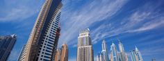 #DUBAI (La Città dei Miraggi), #EmiratiArabi. Dubai, la città rivolta verso l'alto con i suoi altissimi #grattacieli a sud del Golfo Persico nella Penisola Araba.