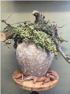 Blumendeko - Apfel Kuchen - Hints for Women Garden Whimsy, Diy Garden Decor, Garden Art, Garden Design, Beautiful Flower Arrangements, Floral Arrangements, Beautiful Flowers, Big Flowers, Deco Floral