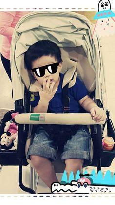 Spotted Orbit baby w/ Mr. lil' cute & cool #bambigarden #orbitbaby #orbitfamily   cr. never2be 's