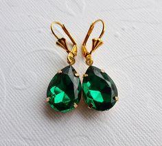 Emerald Green Earrings in Gold