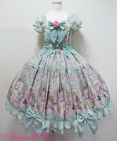 Today I am looking at Rose Museum by Angelic Pretty. This series includes 3 dresses, a head bow and tights. Various rose themed accessories...