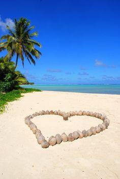 Add The Romantic Cook Islands To Your Must-See Travel List Tahiti, Santorini, Maldives, Rarotonga Cook Islands, Fiji Islands, Villas, Destinations, I Love The Beach, Thinking Day