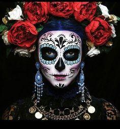 Halloween Makeup Sugar Skull, Sugar Skull Costume, Skeleton Makeup, Sugar Skull Makeup, Day Of Dead Makeup, Day Of The Dead Mask, Sugar Scull, Sugar Skull Art, Sugar Skull Face Paint