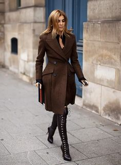 STREET STYLE : Carine Roitfeld from Vogue Paris - in brown Burberrry tweed coat and lace-up overknee boots...