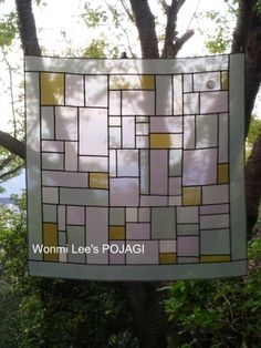 Fabric Art, Fabric Crafts, Crafts To Make, Arts And Crafts, Stained Glass Designs, Korean Art, Korean Traditional, Mondrian, Diy Kits