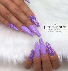 Nail art Christmas - the festive spirit on the nails. Over 70 creative ideas and tutorials - My Nails Purple Acrylic Nails, Purple Glitter Nails, Summer Acrylic Nails, Best Acrylic Nails, Nail Swag, Lavender Nails, Purple Nail Designs, Nail Art Designs, Aycrlic Nails