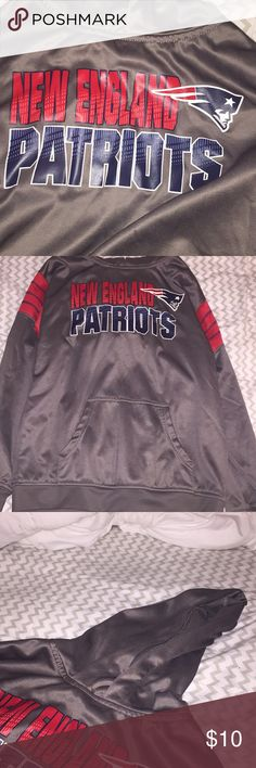 ❗️MAKE OFFERS❗️NE Pats sweatshirt new england patriots hoodie, very comfortable but unfortunately it's become too small for me Jackets & Coats