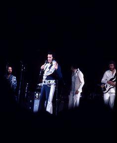 ELVIS PRESLEY 1975 Concert - 21 Original Kodachrome Photo Slides-Silver Phoenix!