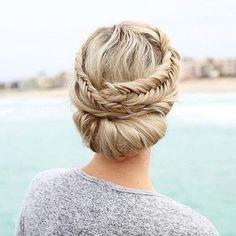 Wesele 2017: 10 pomysłów na ślubną fryzurę dla Panny Młodej