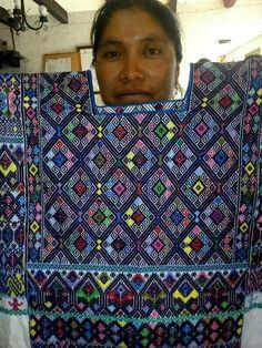 Textil de San Andrés Larrainzar, Chiapas,  México