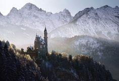 Da Cinderella, Rapunzel ou Bela Adormecida aos nossos dias, estas paisagens homenageiam as personagens e cenários mágicos dos irmãos Grimm.