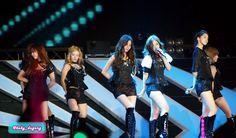 "[120922] Girls Generation performing ""Genie"" on SM Town Jakarta. #SNSD #GirlsGeneration #HyoYeon #Tiffany #Yuri #Seohyun #Yoona #Sunny"