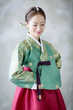 강남구 신사동 위치, 우수한 품질의 원단과 고객의 바람을 표현하는 디자인. Imperial Clothing, Korean Hanbok, Jaejoong, Cute Images, Traditional Dresses, Asian Fashion, Asian Beauty, Culture, Characters